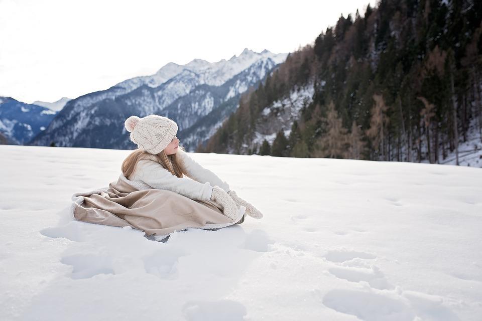 雪道では抱っこ紐用のアウターは必要?