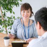 職場恋愛から結婚へ!結婚指輪・職場で女性の苗字変更はどうする…!?